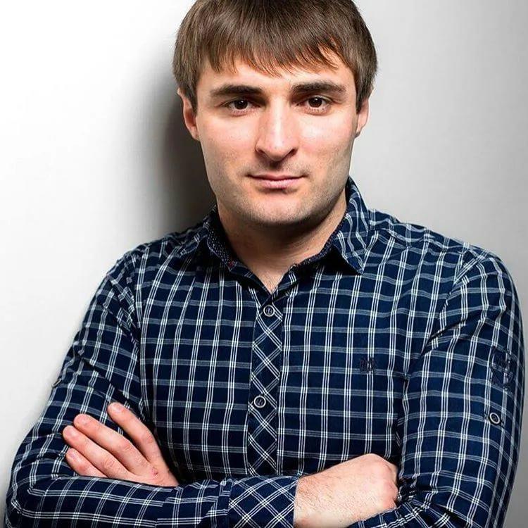Википедия Артур Тикеев певец из Карачаево-Черкесии