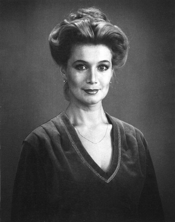 Википедия Твеленёва Анна Сергеевна (Нестерова) актриса театра и кино