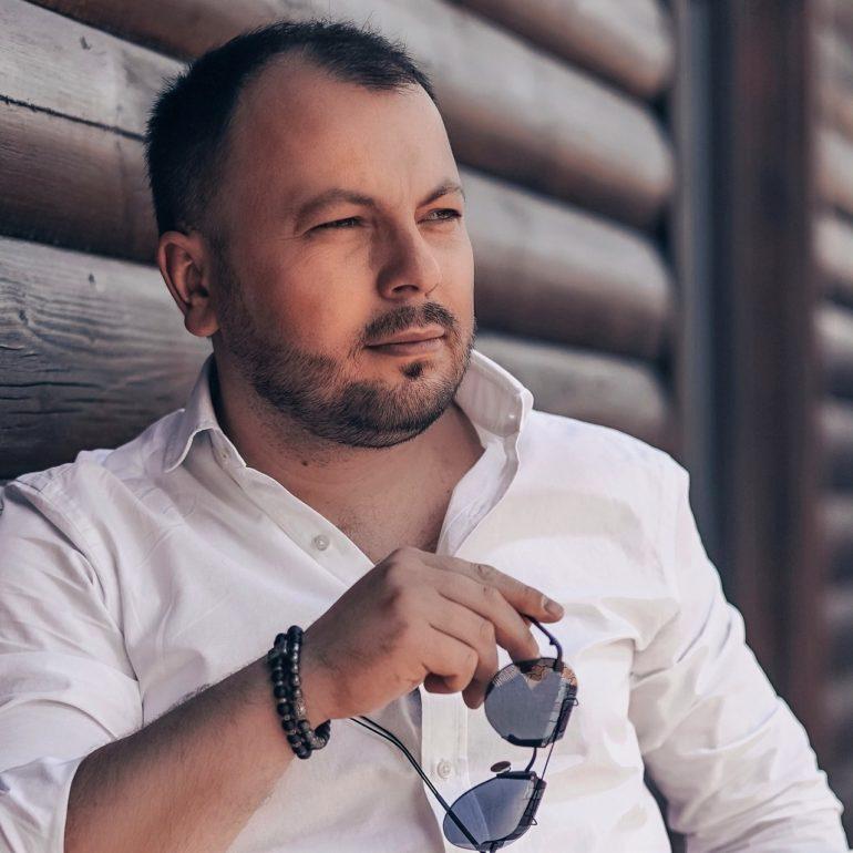 Википедия Сумишевский Ярослав российский певец, музыкант, ведущий и Ютуб блогер